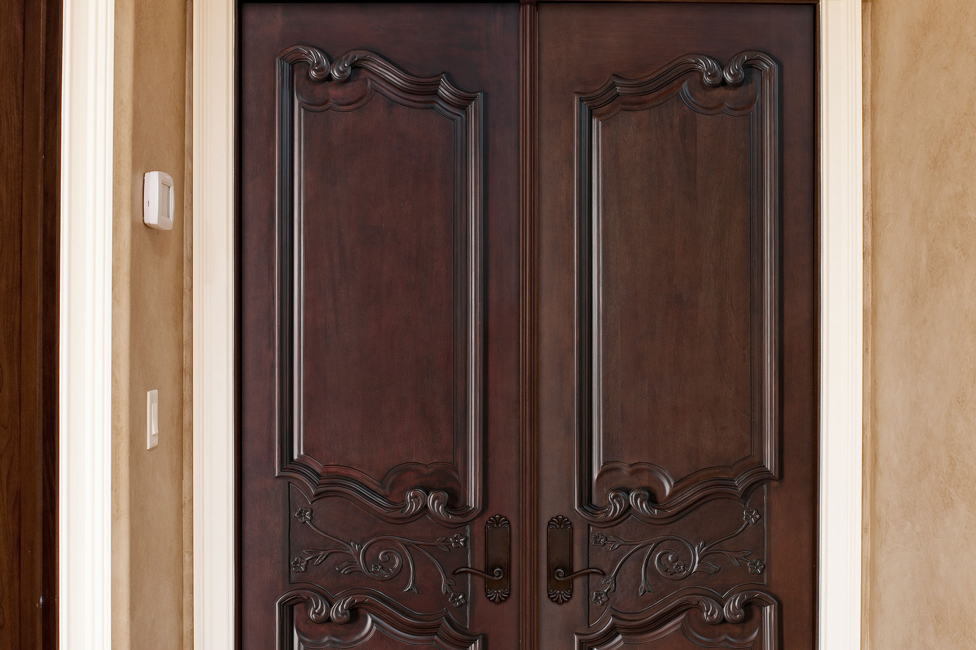 Interior Door Custom Double Solid Wood With Dark Mahogany Finish Artisan Model Gdi 9000 Dd Glenview Doors In Chicago Il At Glenview Haus