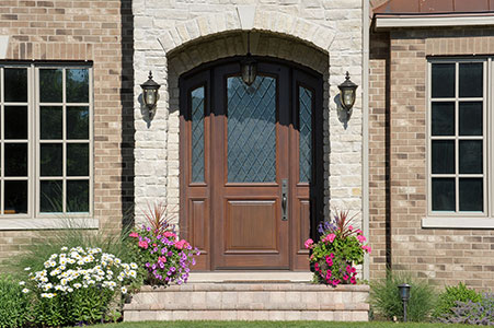 Classic Entry Door.     Classic Collection, Arched Top Solid Mahogany Wood Door with Diamond Glass GD-552DG 2SL
