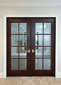 Traditional Interior Door.  Custom Interior Beveled Glass Door, Divided Grills DBI-916 DD 287