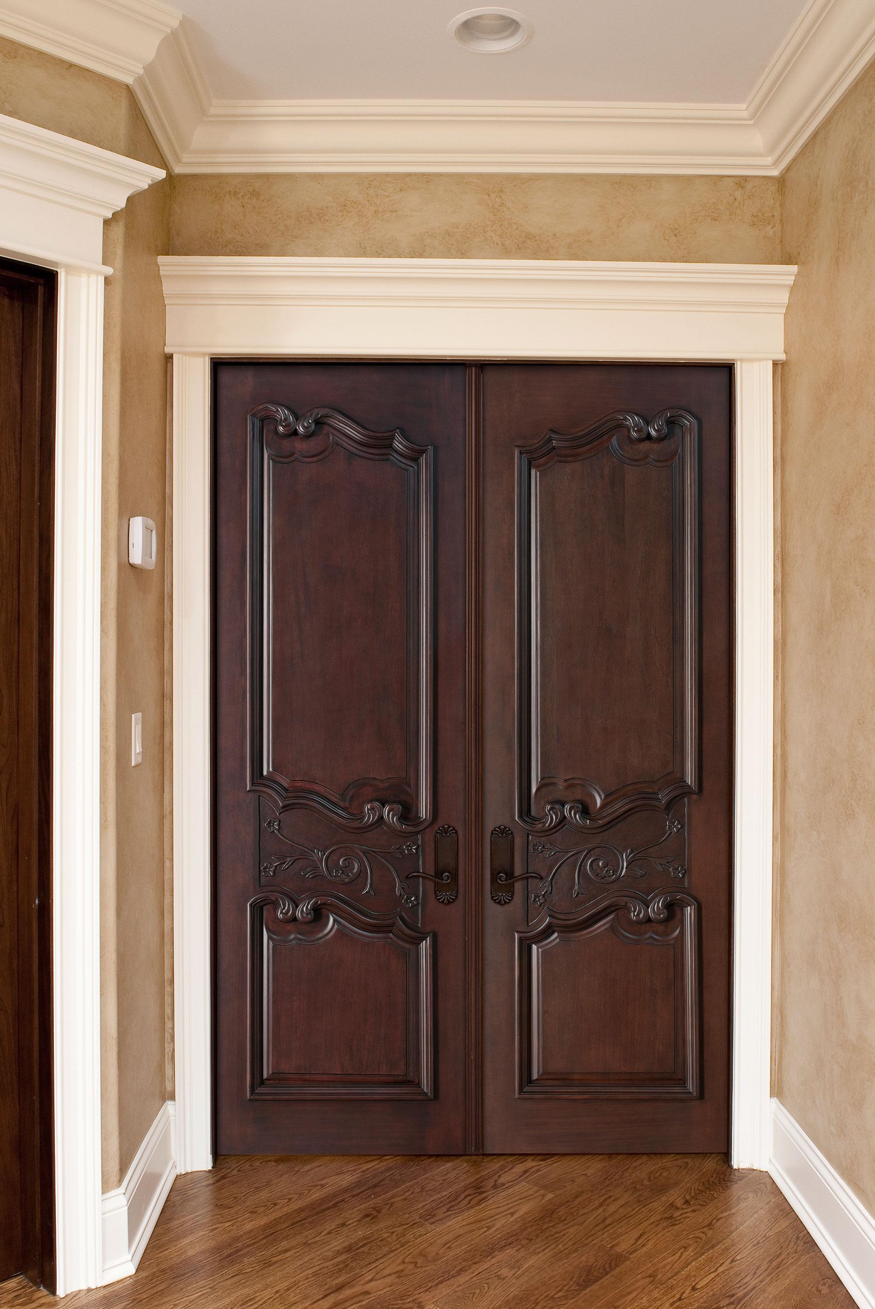 Custom Wood Interior Doors | Custom Interior Wood Door with Detailed Carving DBI-9000 - Glenview Doors - Custom Doors in Chicago
