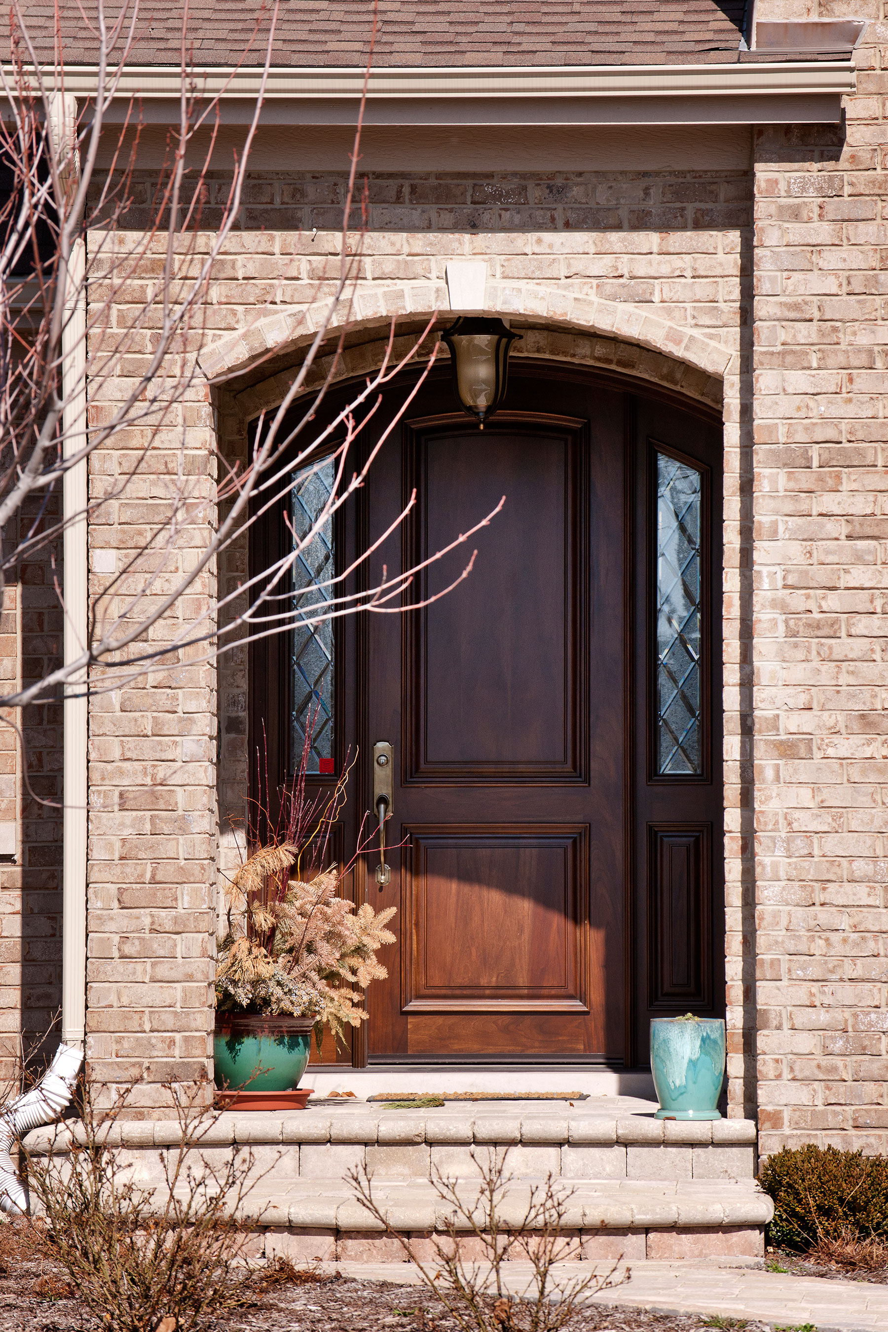 Custom Wood Front Entry Doors | Custom Arched Top Mahogany Entry Door with Sidelites DB-552P 2SL CST - Glenview Doors - Custom Doors in Chicago
