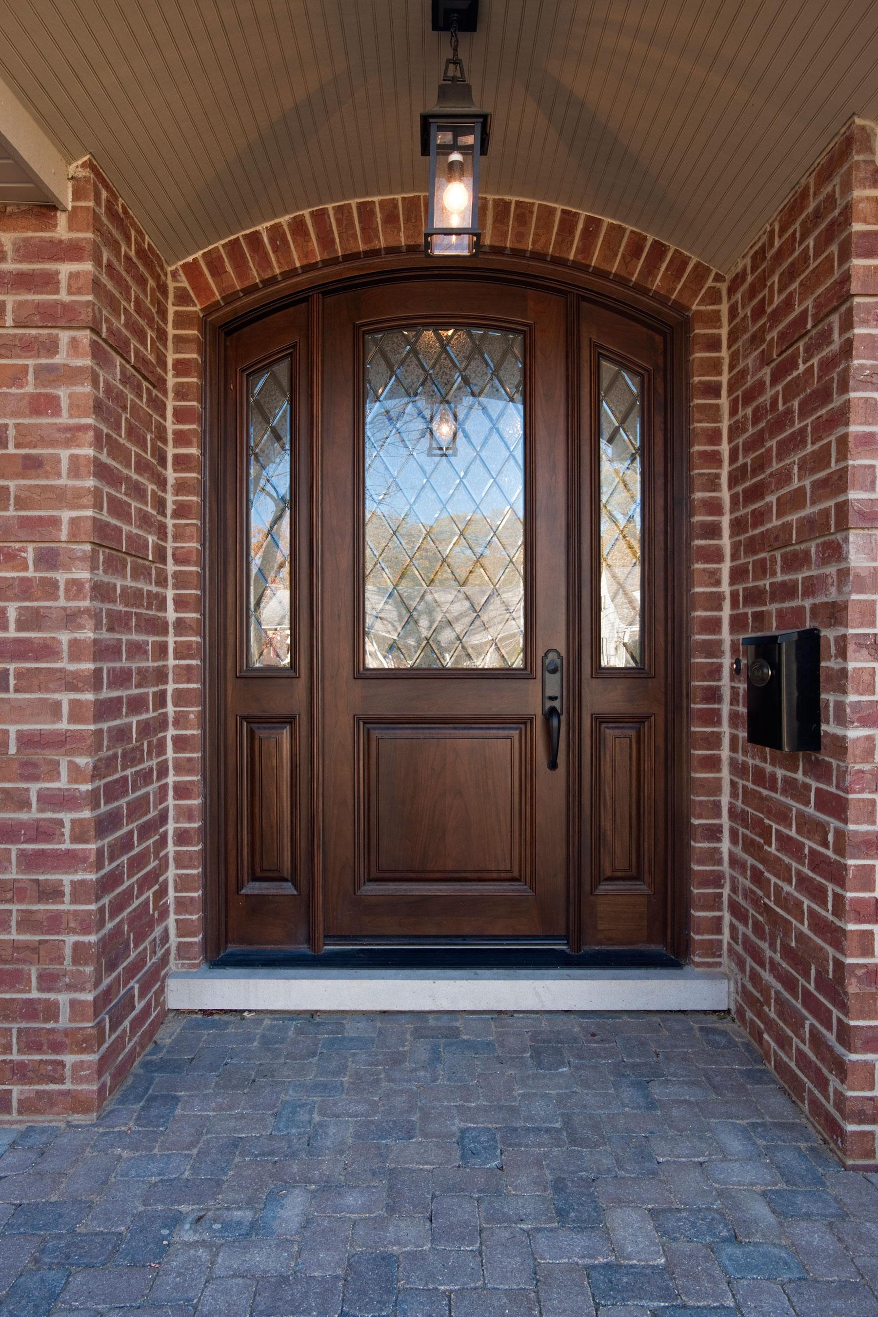 Wood Front Entry Doors in-Stock | Solid Wood Entry Door - Diamond Privacy Glass DB-552WDG 2SL - Glenview Doors - Custom Doors in Chicago