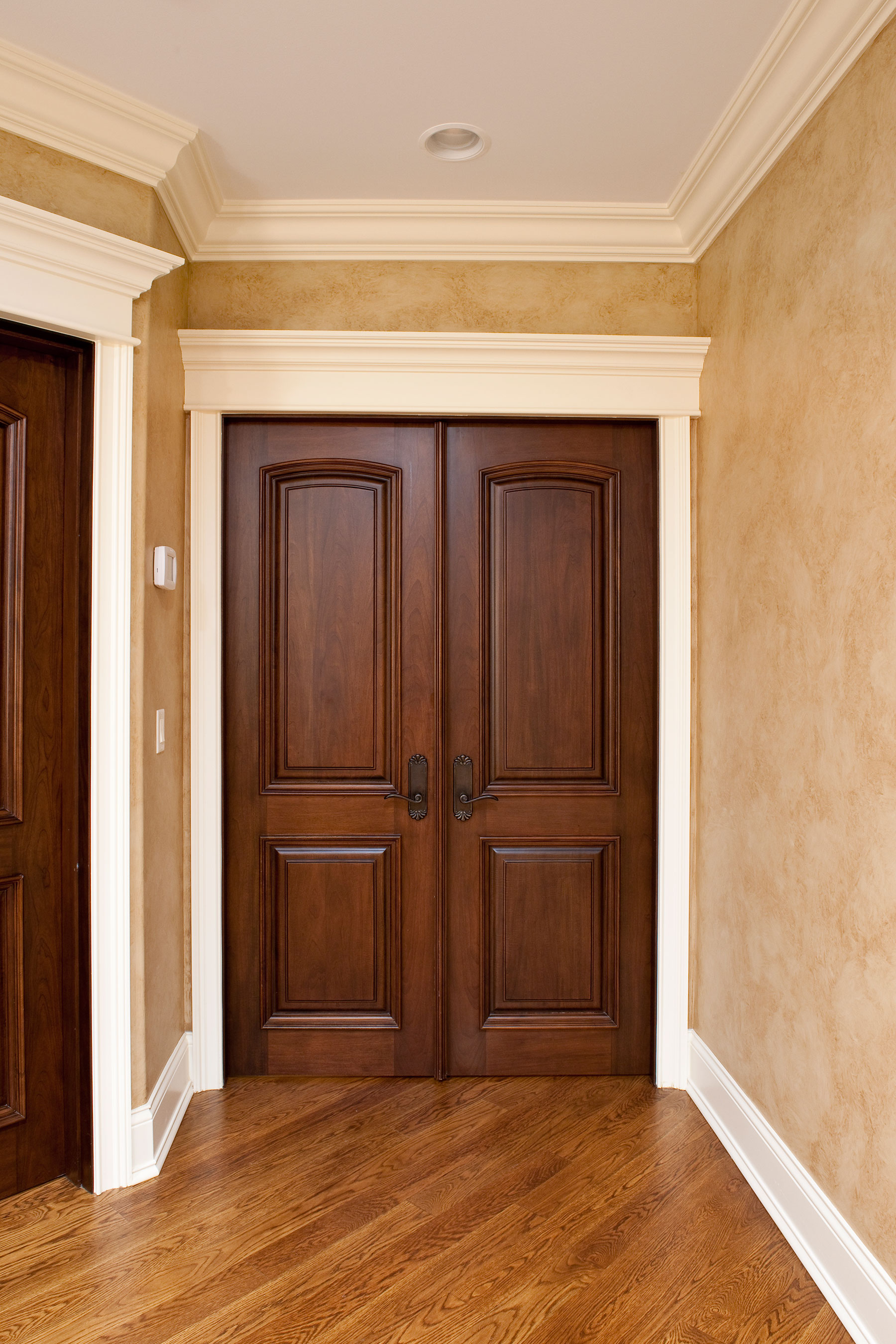 Bedroom Door Decorations Classical: Solid Wood With Walnut