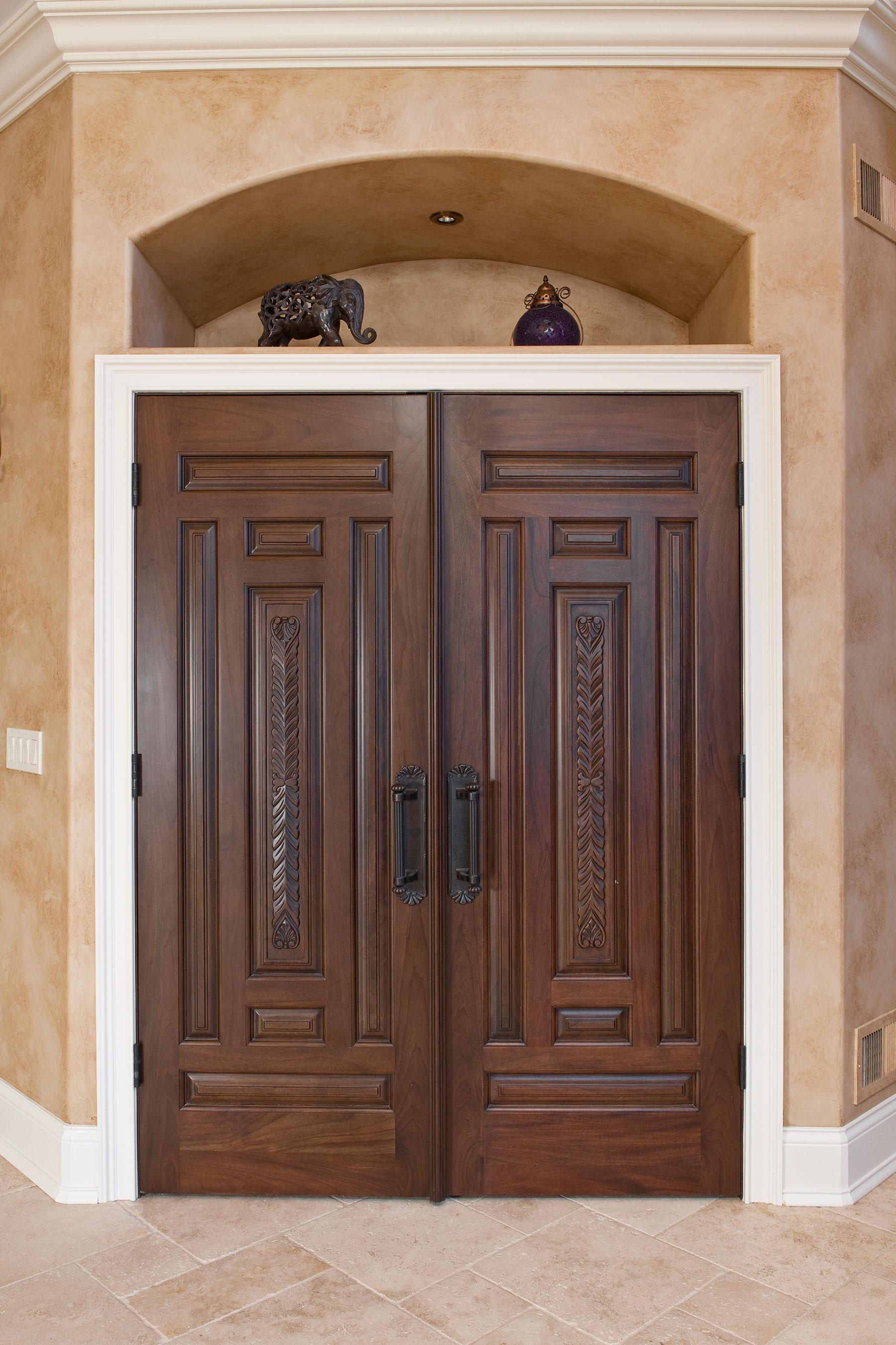 Custom Wood Interior Doors | Solid Wood Interior with Custom Profiles Ridges  DB-580B DD CST - Glenview Doors - Custom Doors in Chicago