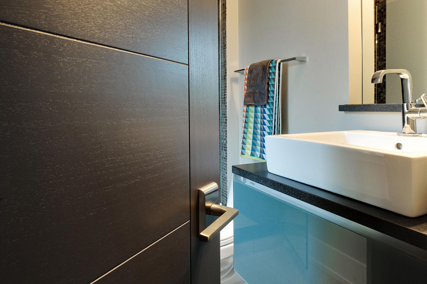 Custom Wood Interior Doors | Custom Modern Interior Wood Door, Single DBIM-VG9000 - Glenview Doors - Custom Doors in Chicago