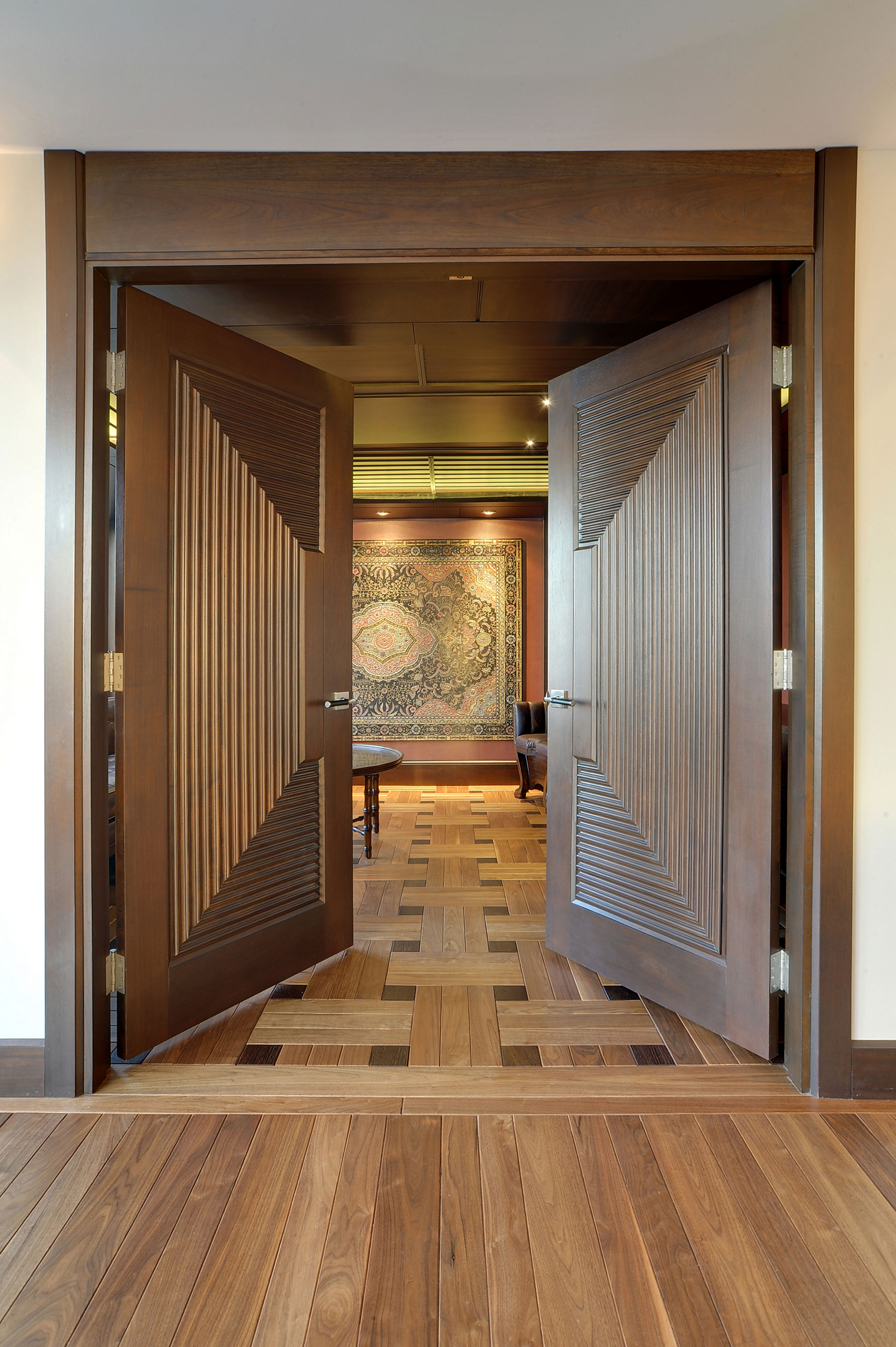 Custom Wood Interior Doors | Custom Interior Solid Wood Doors, Custom Ridges DBI-580 DD - Glenview Doors - Custom Doors in Chicago