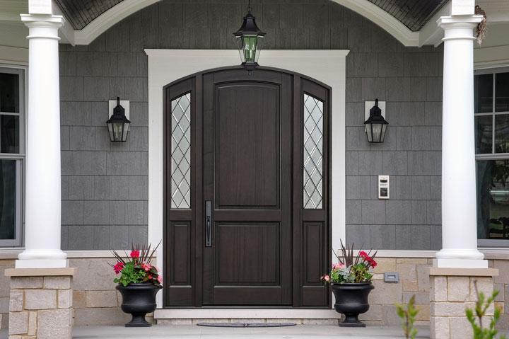 Classic Entry Door.  mahogany arched top door with sidelites DB-554PTDG 2SL