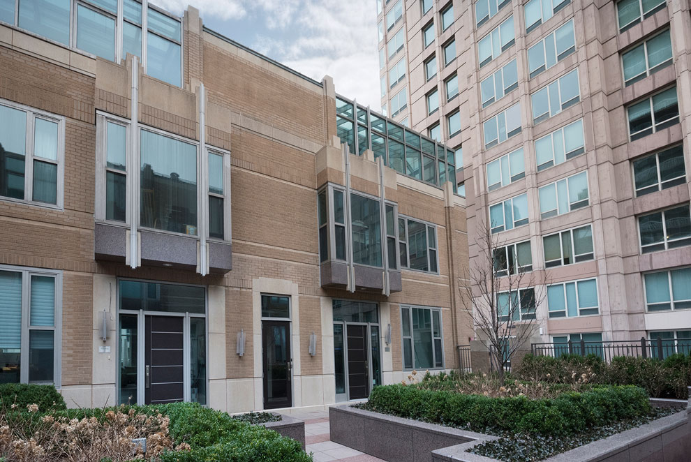 Modern Entry Door.  33 W Ontario Chicago Townhomes Modern Commercial Doors  DB-EMD-B1W
