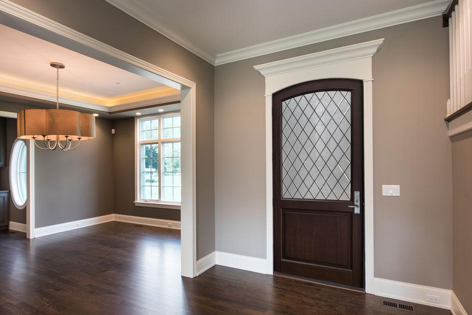 Classic Entry Door.  Diamond Glue Chip Glass Arch Top Door DB-552PWDG