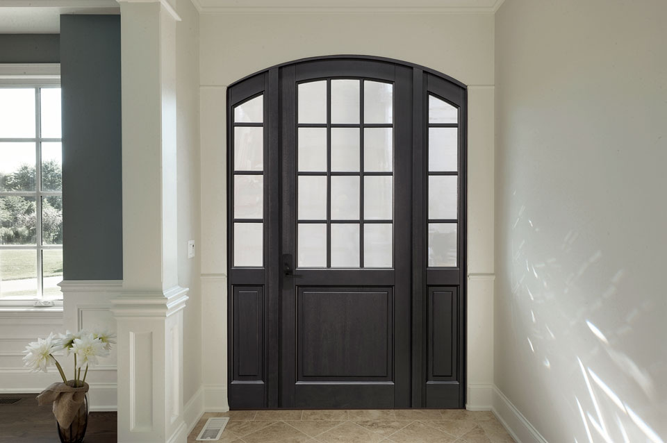 Classic Entry Door.  classic wood entry door, single with 2 sidelites, clear glass DB-801PW 2SL